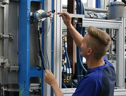Ausbildung bei FCT Systeme GmbH